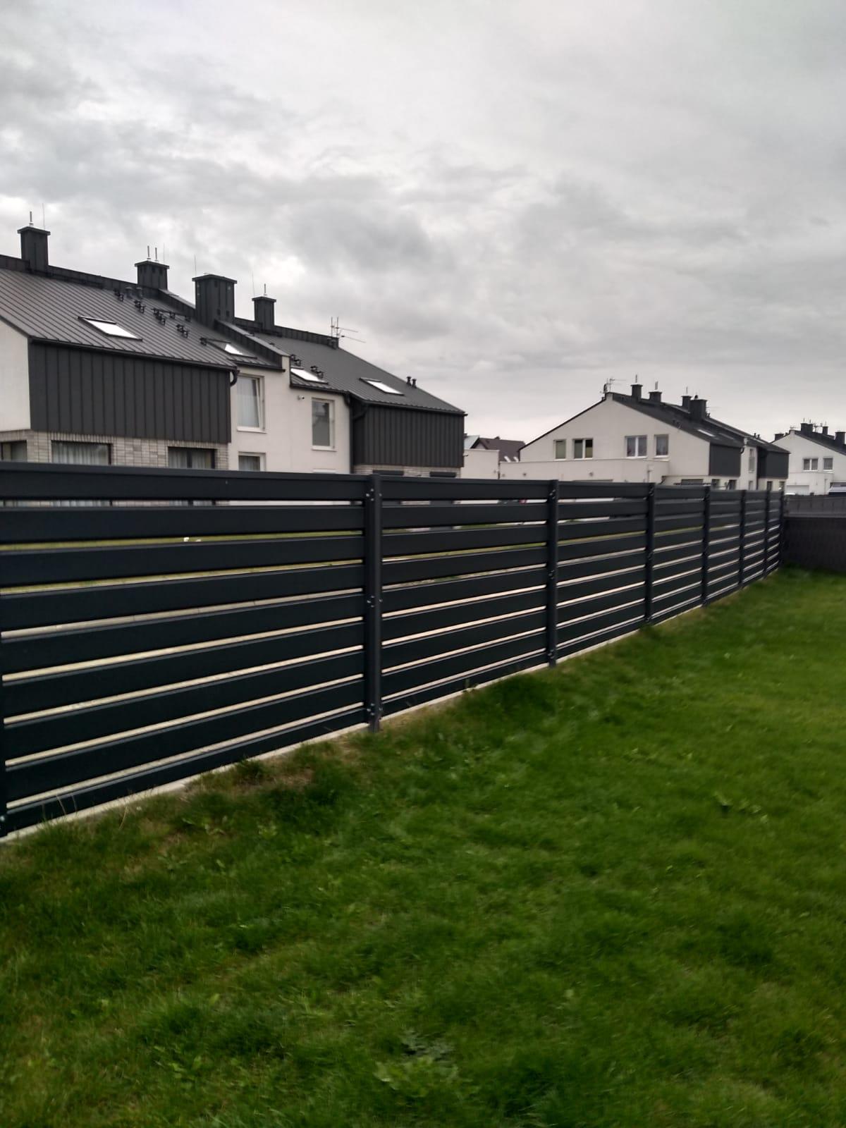 ogrodzenie horyzontalne nowoczesne antracytowe realizacja marciniak ogrodzenia